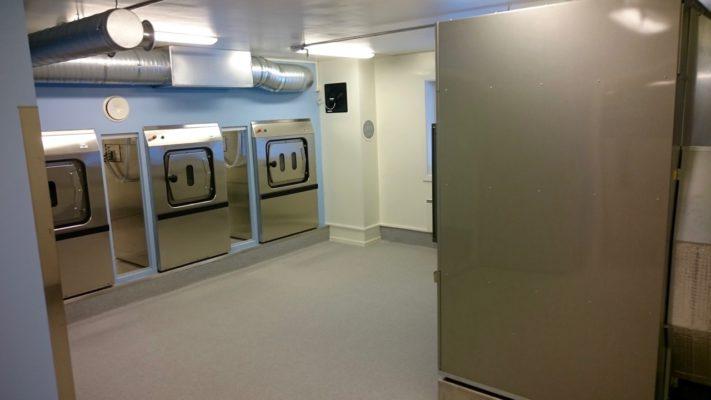 Stovner Vaskeri En installasjon av 3 barriere maskiner FXB180.